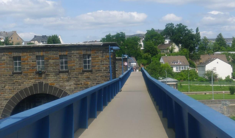 ORNITEC: Dauerhafte Vogelabwehr an Brücken und Wehrstegen.