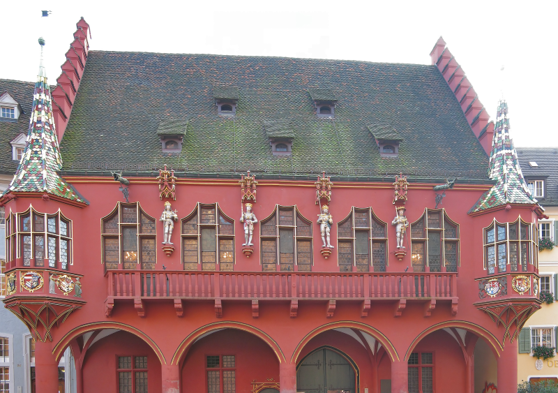 ORNITEC: Effektive Vogelabwehr an historischen Fassaden.