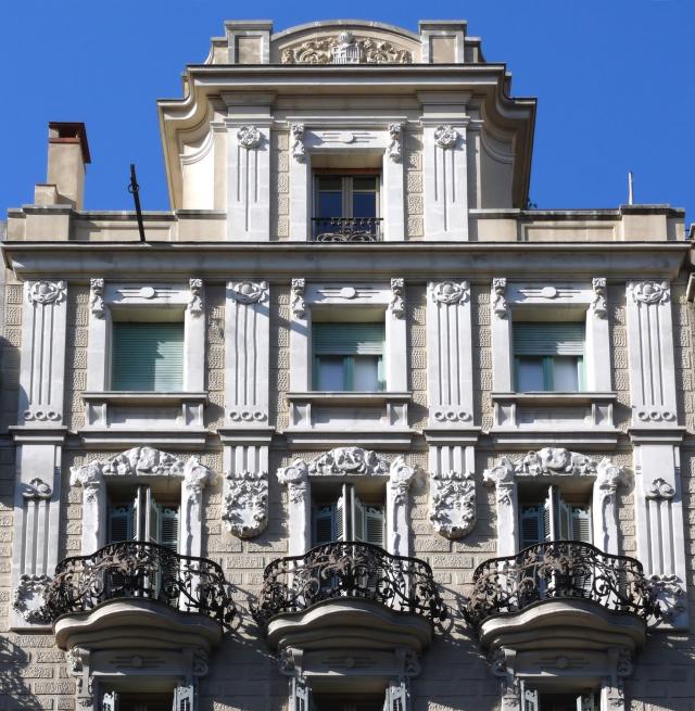 ORNITEC: Effektive Vogelabwehr an repräsentativen Fassaden.