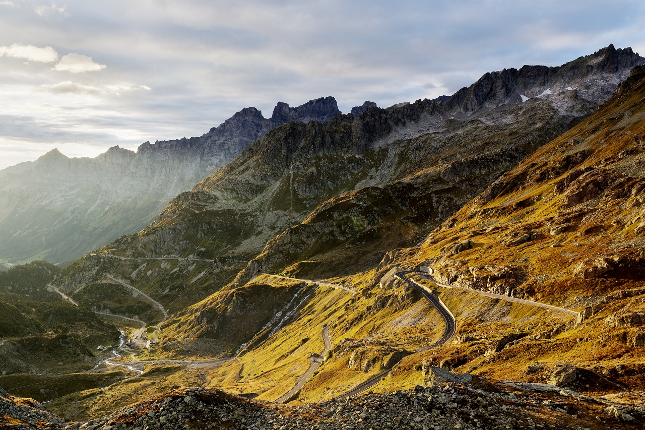 Alpen | Der Sustenpass in seiner vollen Pracht. Aber der Schein trügt. Die Alpen und vor allem die wechselnden Wetterbedingungen werden Deinem Mindset beim BRM 600 alles abverlangen ... auch im Juni