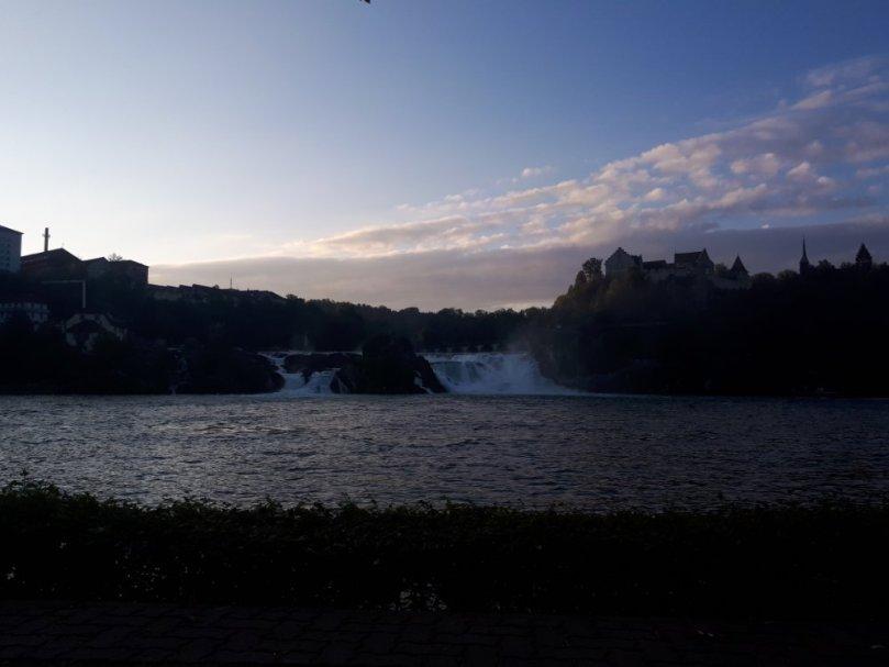Rheinfall am Morgen bei Niedrigwasser