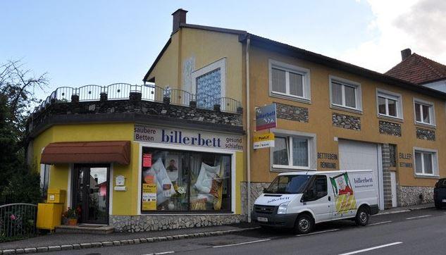 7374 Weingraben, Hauptplatz 1