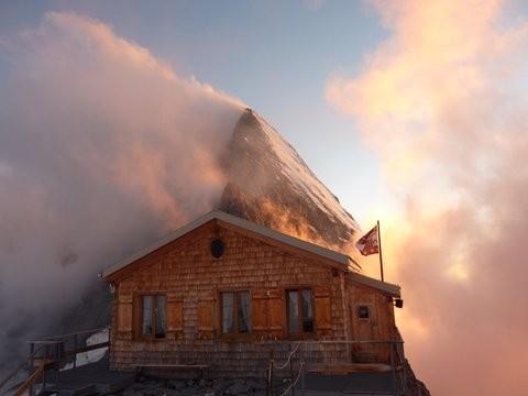 Mittelegihütte