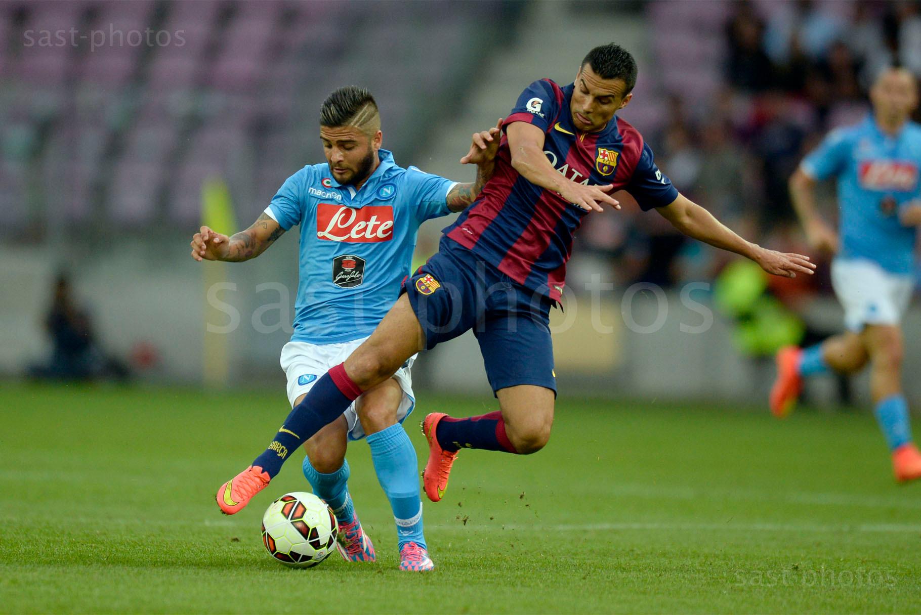 Lorenzo Insigne (L. Napoli) gegen Pedro Rodriguez Ledesma (Barcelona)