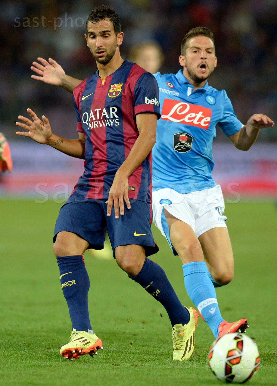 Martin Montoya Torralbo (L. Barcelona) gegen Dries Mertens (Napoli)