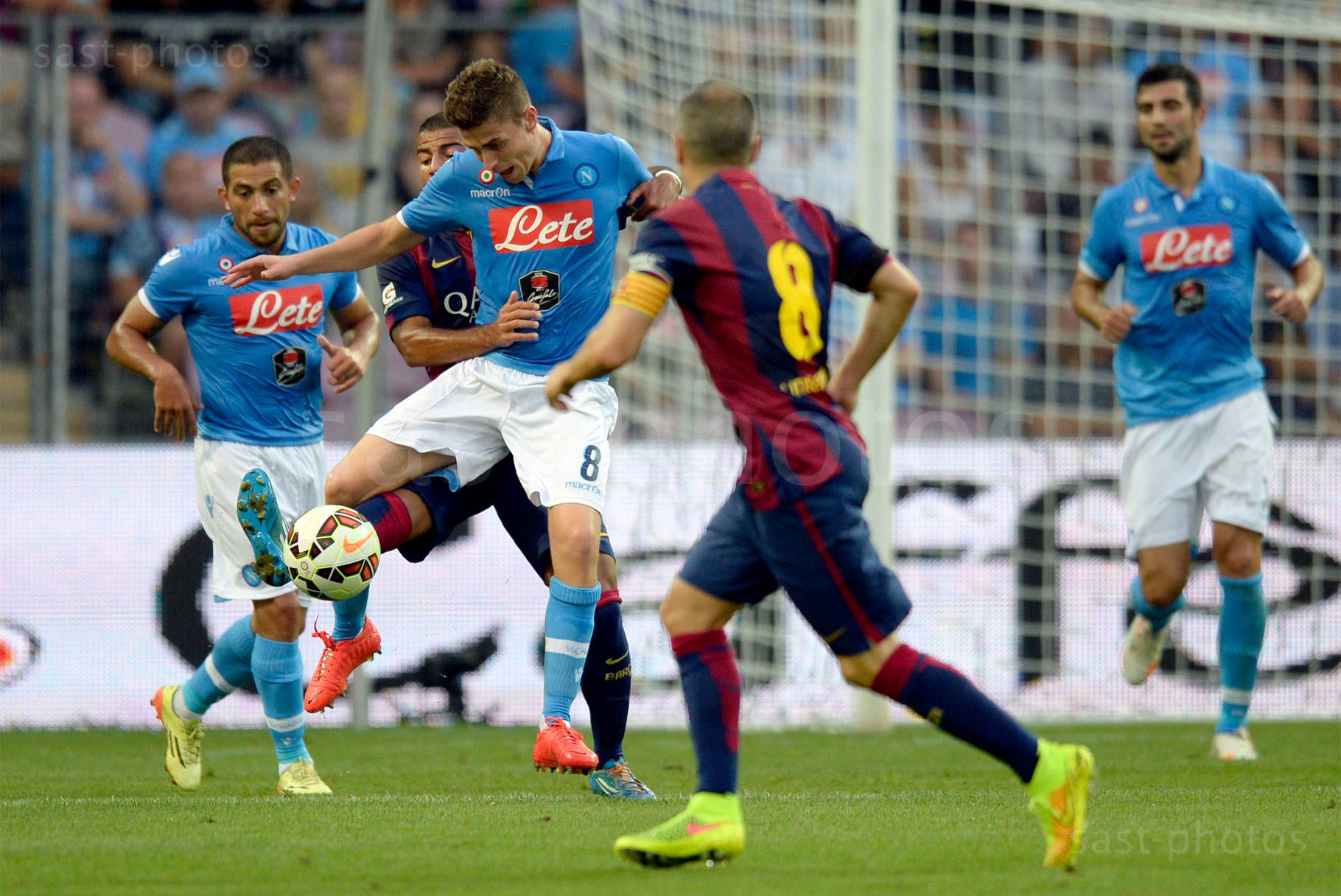 Jorge Luiz Frello Jorginho (v. Napoli) gegen Rafael Alcantara (Barcelona)