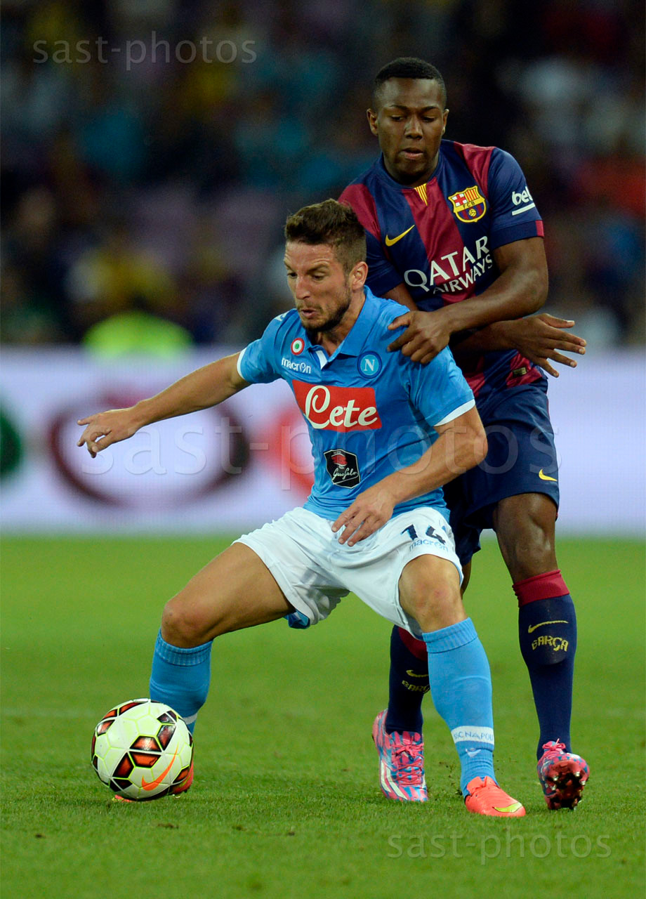 Dries Mertens (L. Napoli) gegen Adama Traore (Barcelona)