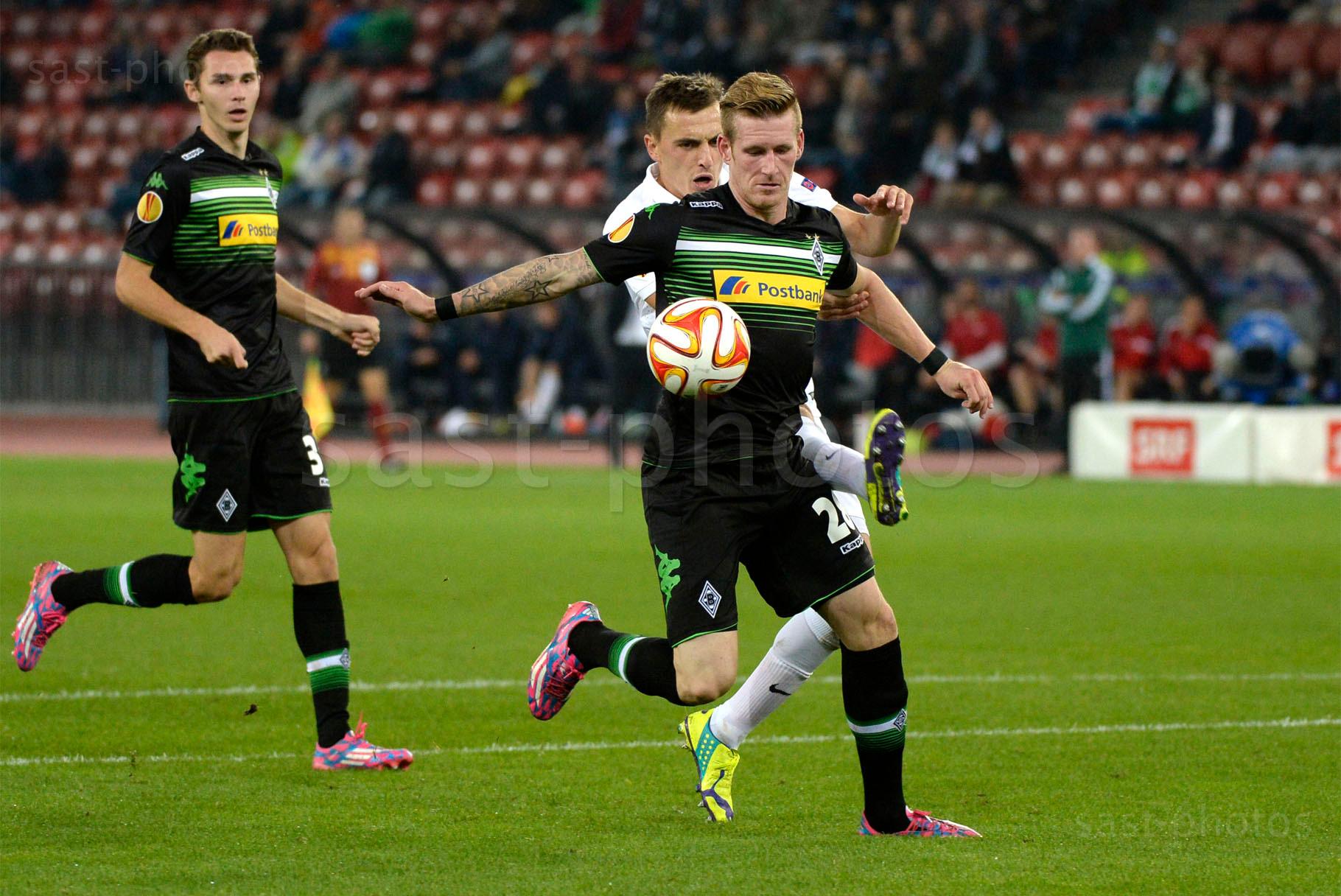 Andre Hahn (Gladbach) gegen Burim Kukeli (FCZ)