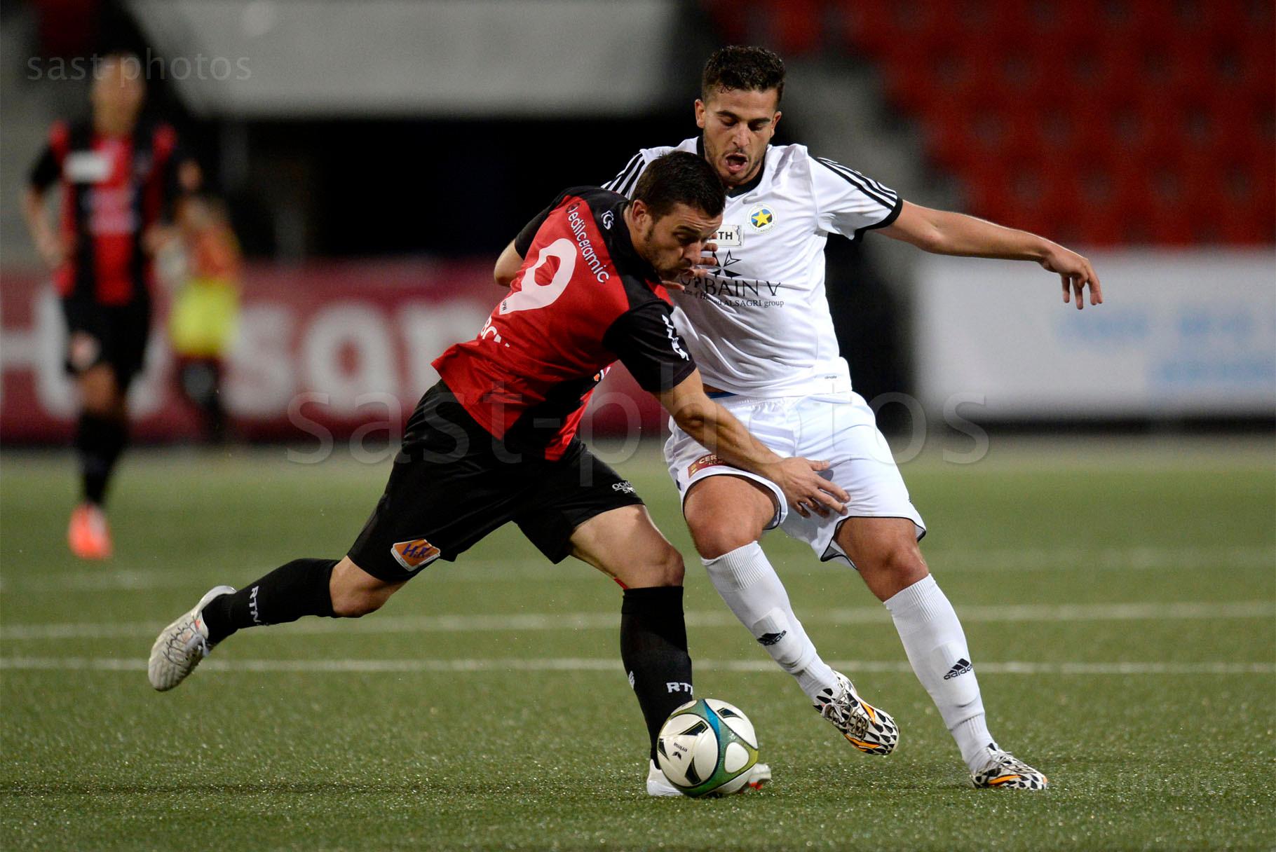 Mickael Rodriguez (L. Xamax FCS) gegen Hicham Bouamri (Carouge)