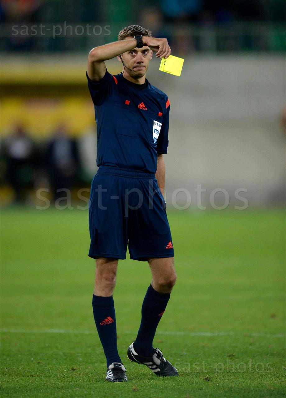 Schiedsrichter Clement Turpin (FRA)