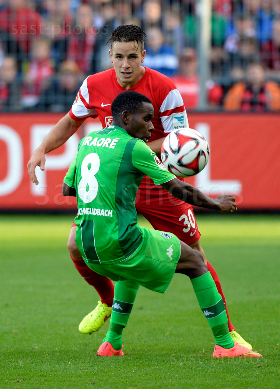 Christian Guenter (H. Freiburg) gegen Ibrahima Traore (Gladbach)
