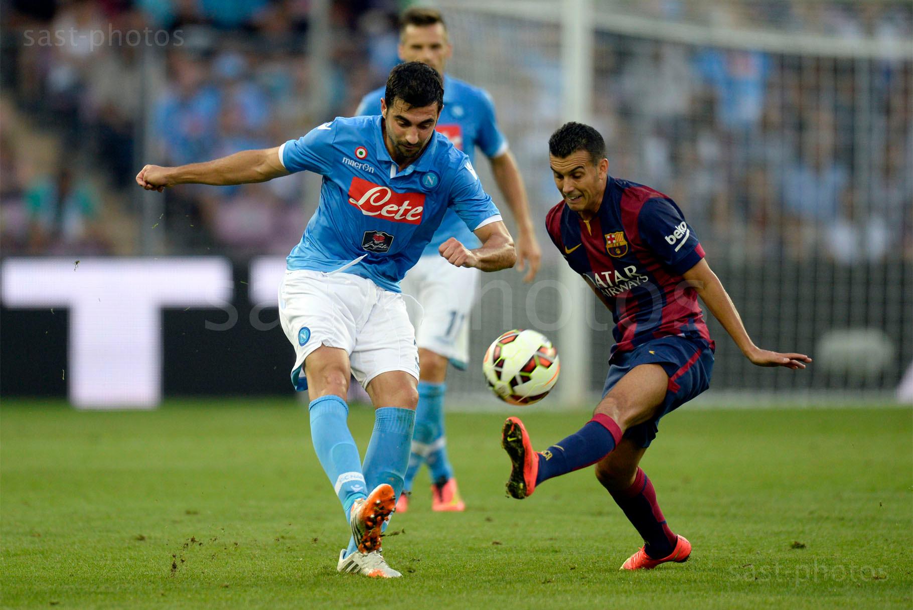 Raul Albiol (L. Napoli) gegen Pedro Rodriguez Ledesma (Barcelona)