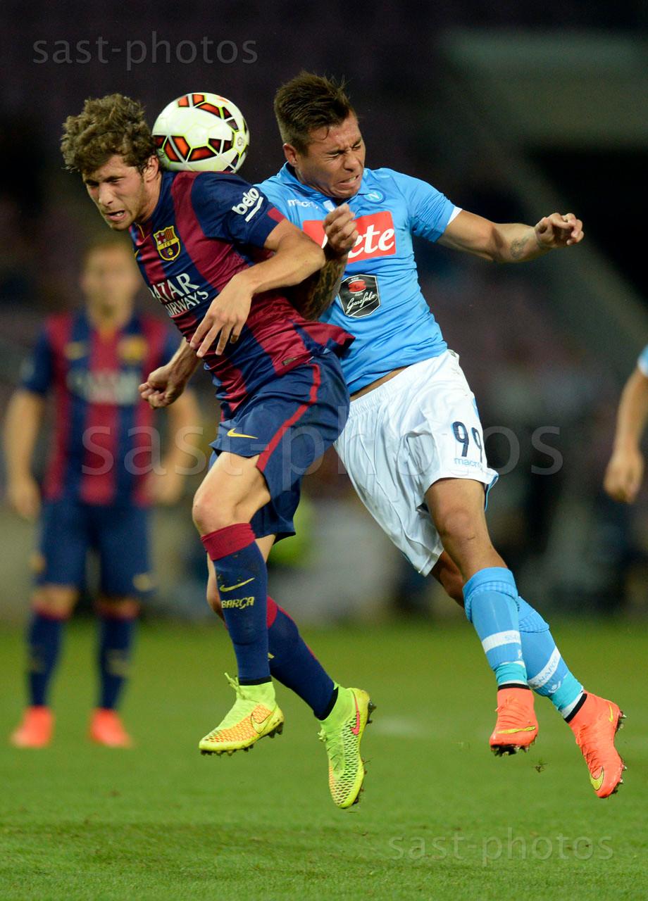 Sergi Roberto (L. Barcelona) gegen Eduardo Vargas (Napoli)
