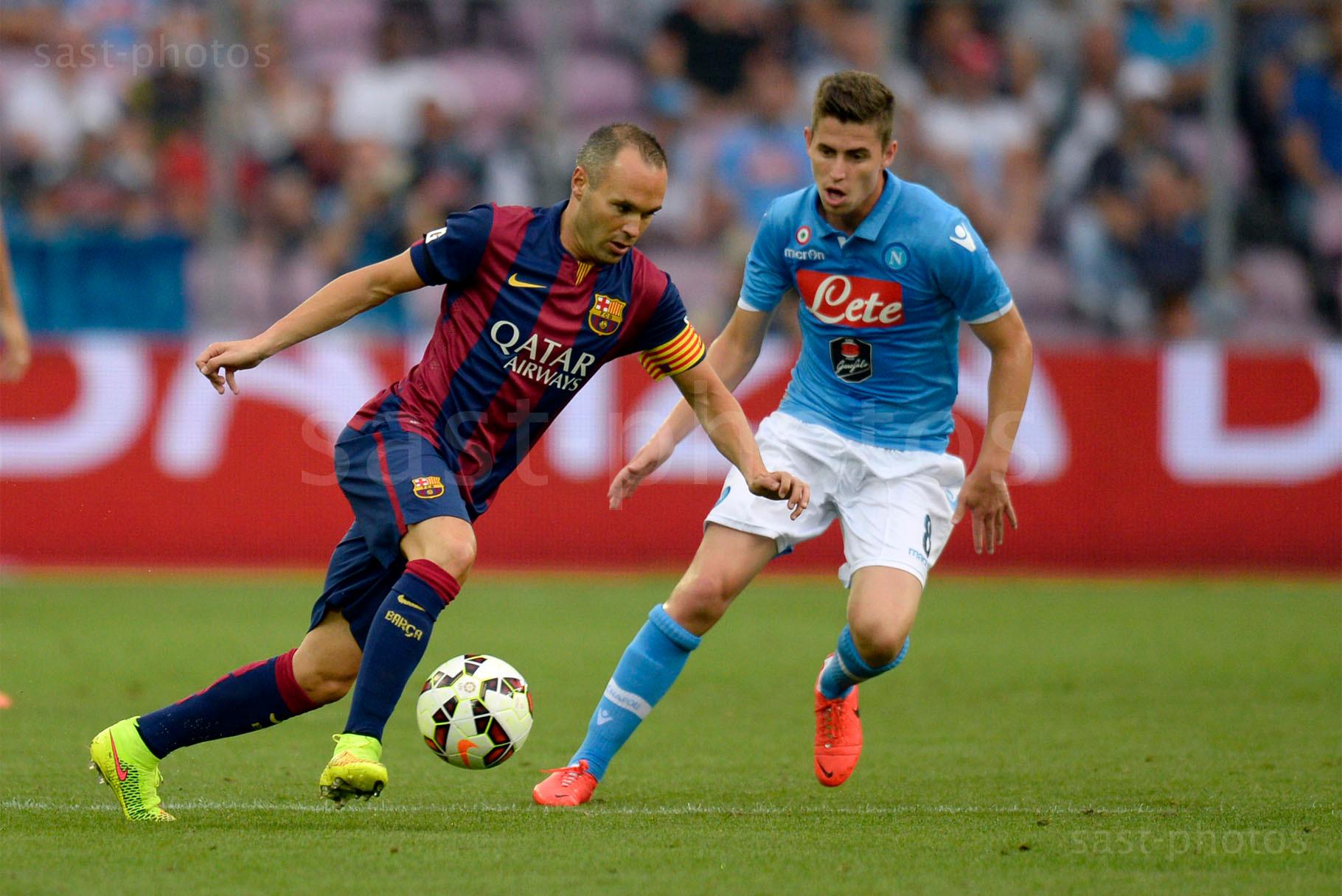 Andres Iniesta Lujan (L. Barcelona) gegen Jorge Luiz Frello Jorginho (Napoli)