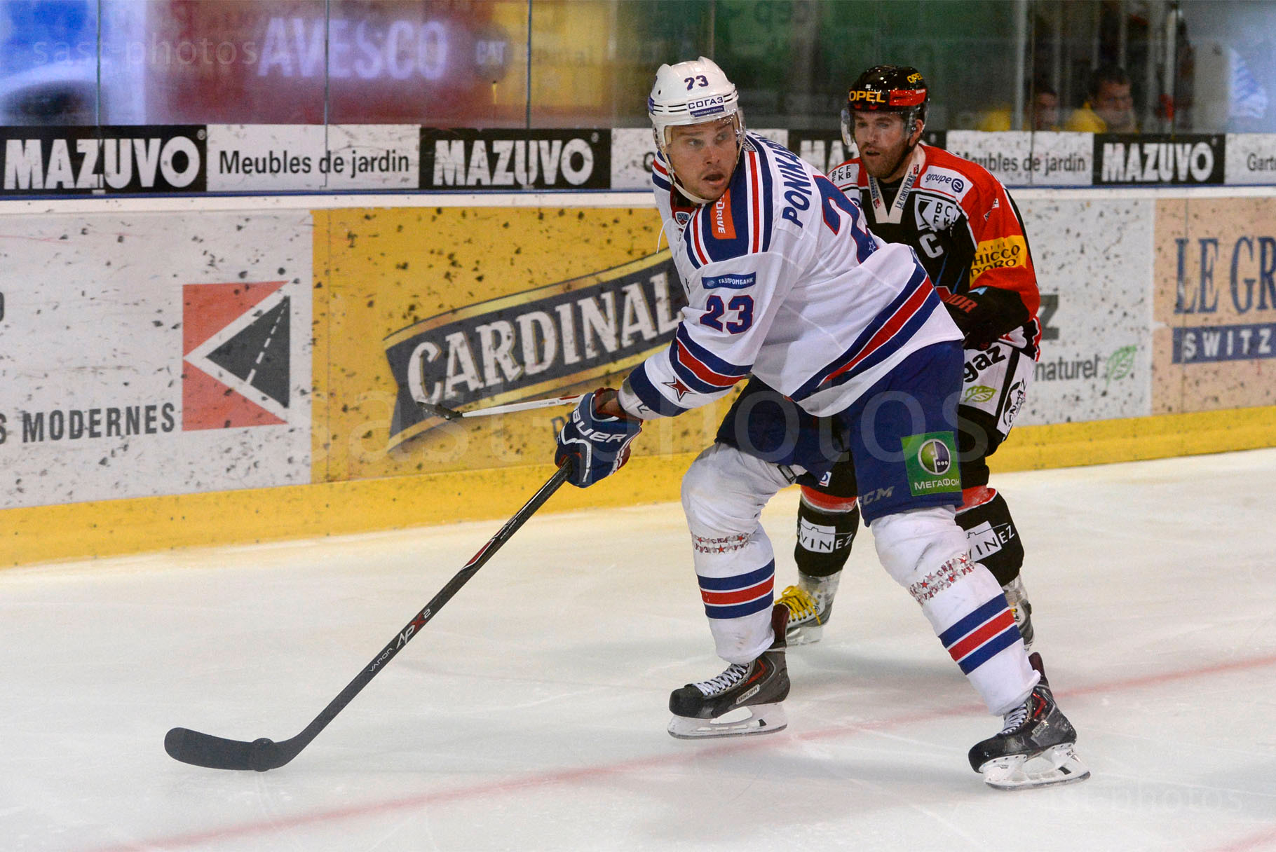 Alexei Ponikarovsky (L. St. Petersburg) gegen Christian Dube (Fribourg)