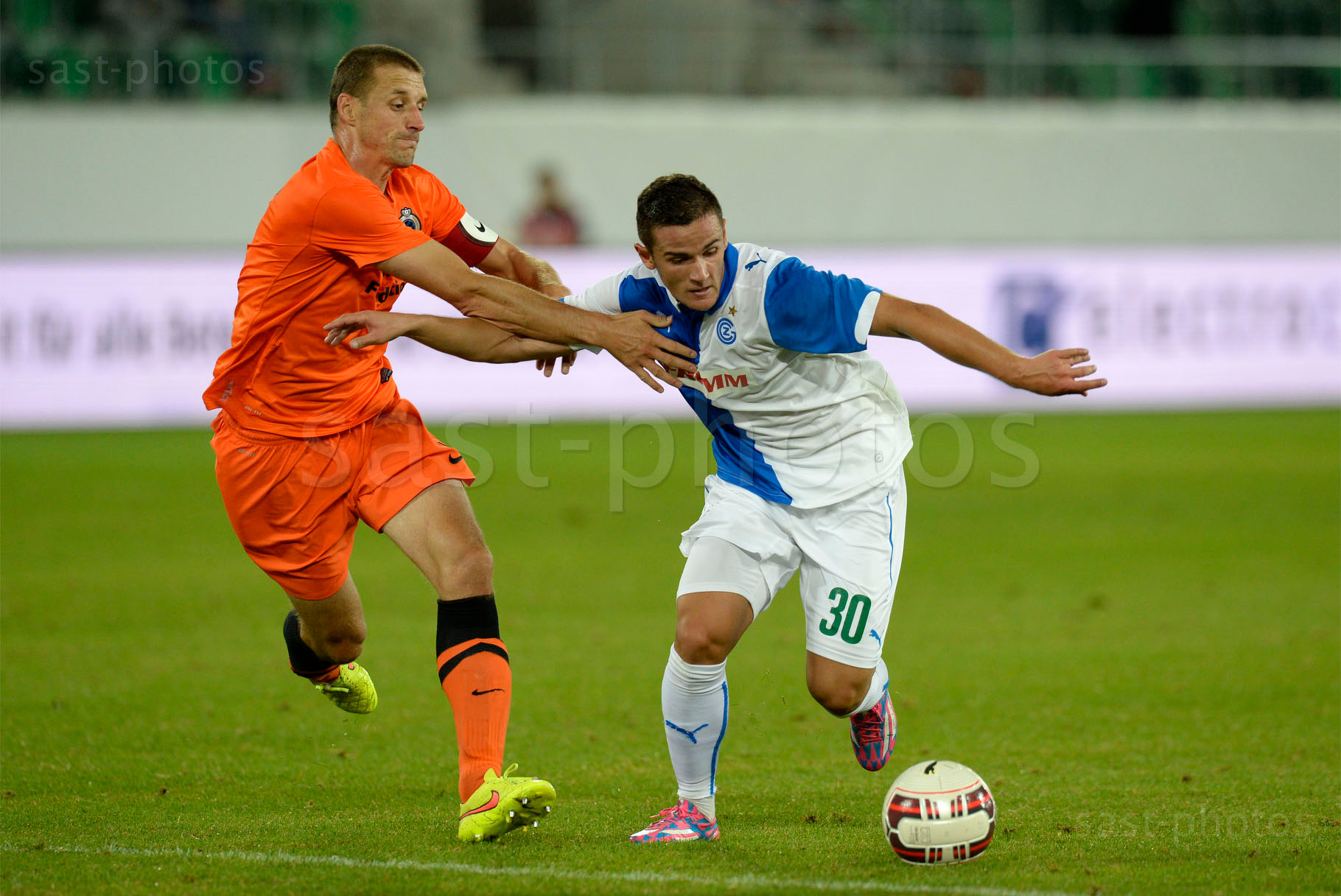 Timmy Simons (L. Brugge) gegen Shanj Tarashaj (GCZ)