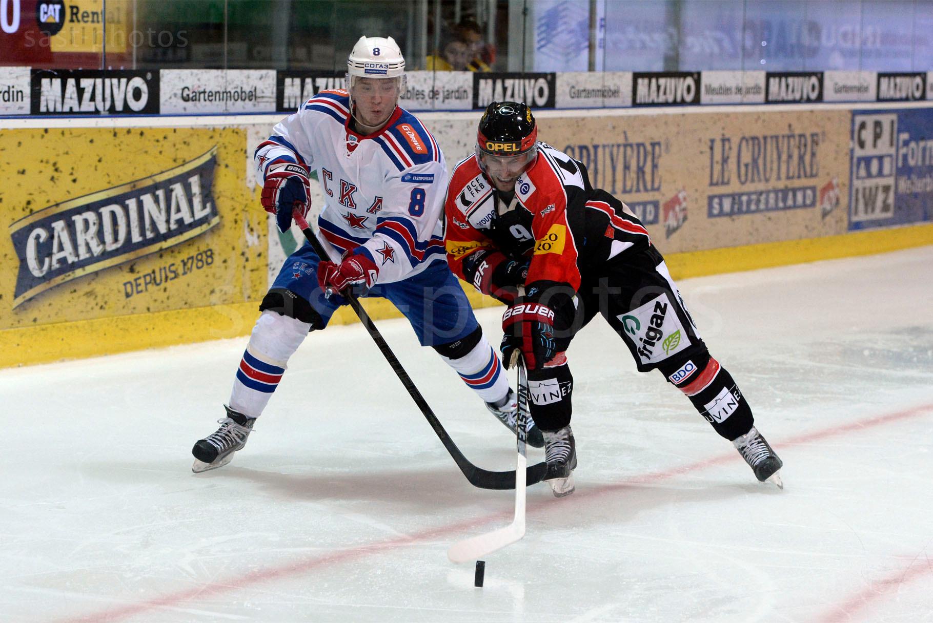 Yevgeni Ryasensky (L. St. Petersburg) gegen Jeff Tambellini (Fribourg)