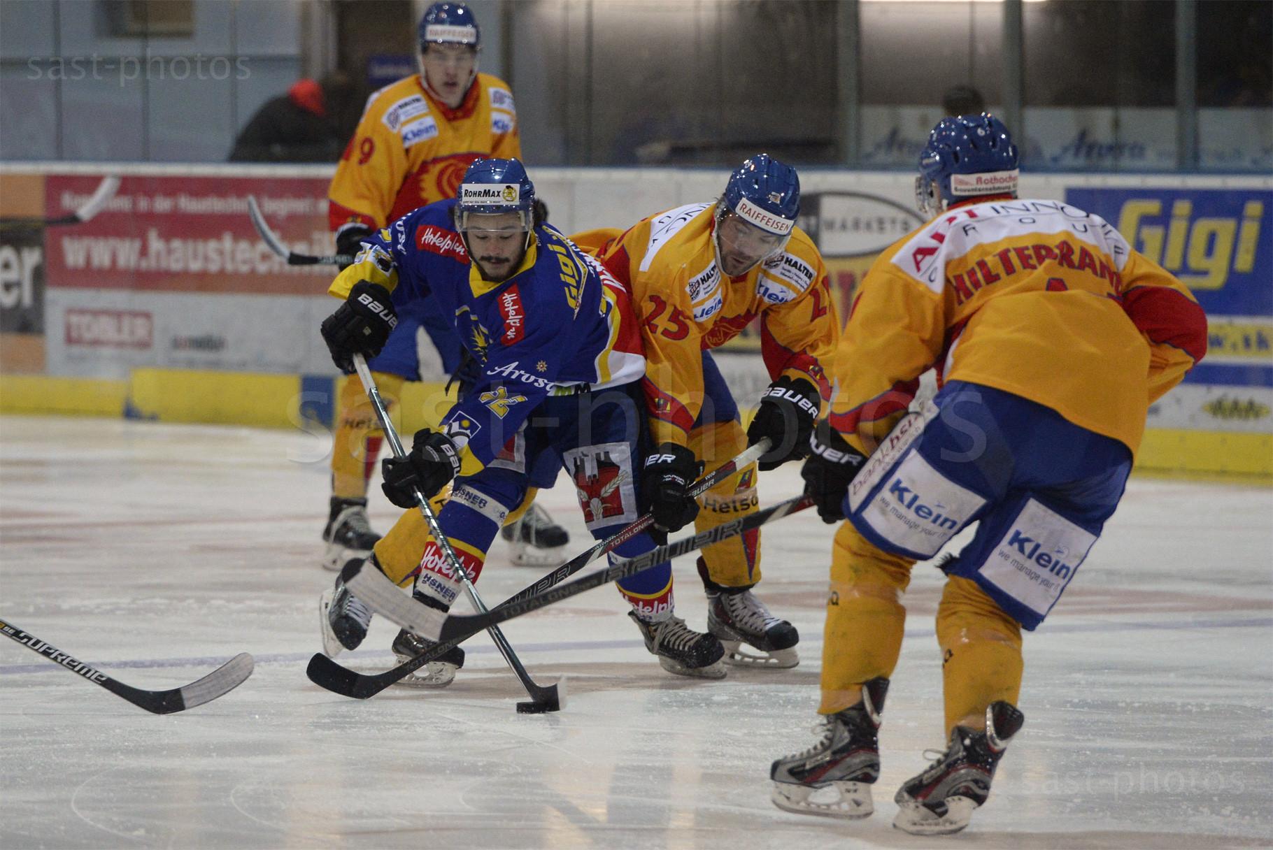 Kevin Bucher (L. Arosa) gegen Jann Falett (Duebendorf) und Norik Hiltebrand (Duebendorf)