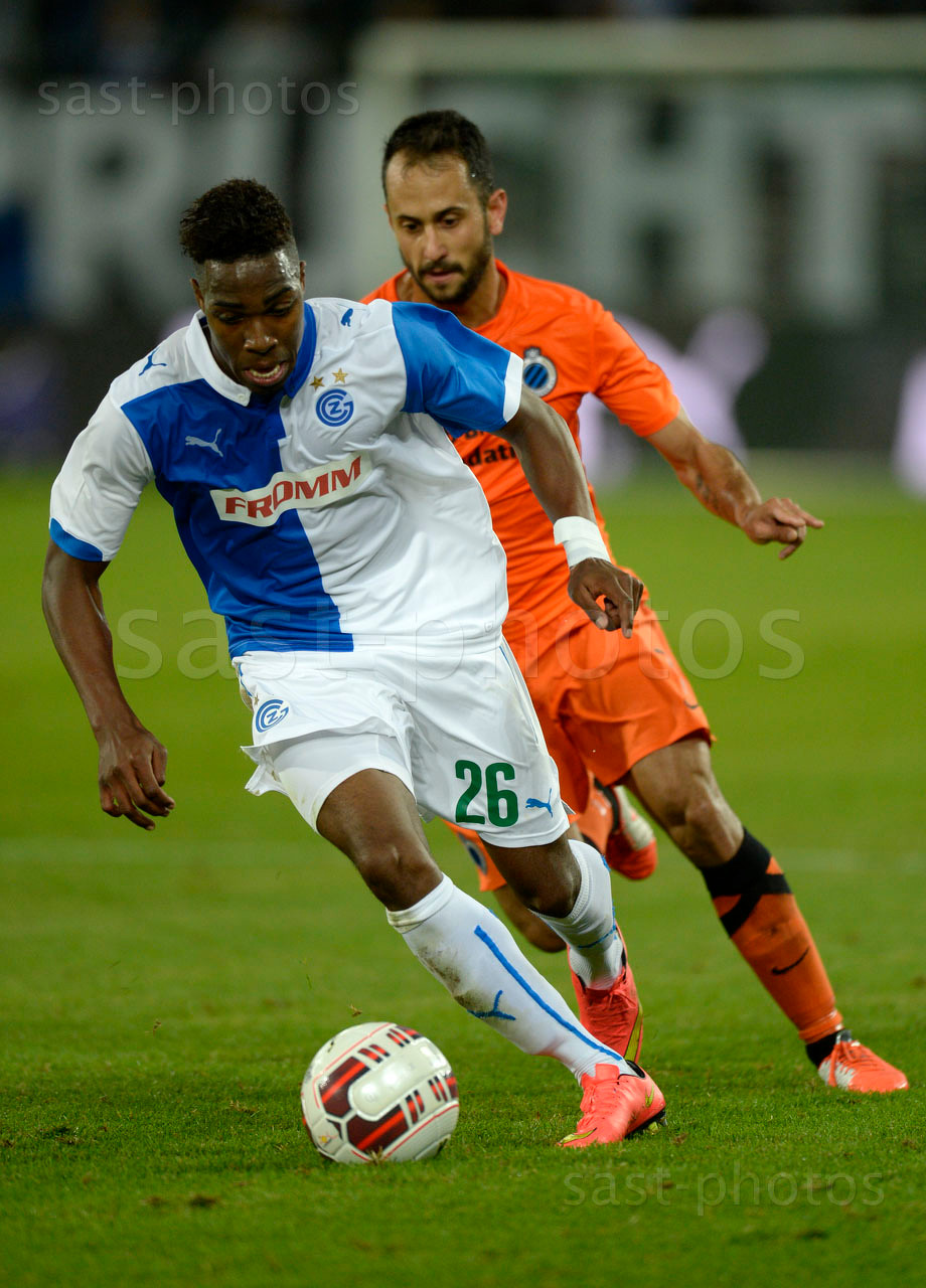 Ulisses Garcia (L. GCZ) gegen Victor Vazquez (Brugge)