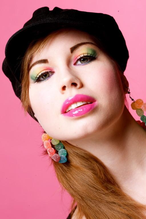 Photo: Urs Gerber iVision * Model: Myriam * MakeUp/Hair/Styling: SL