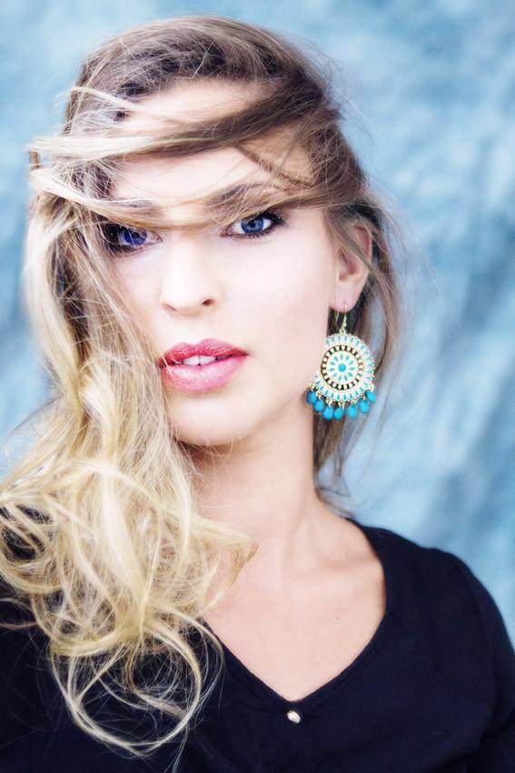 Photo: Alan Meier * Model: Nadine * MakeUp/Hair: SL