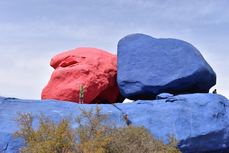 1985 vermalte ein Belgier 20.000 Liter Farbe, ursprünglich nur blau