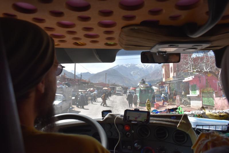 Durch ein Atlas-Dorf