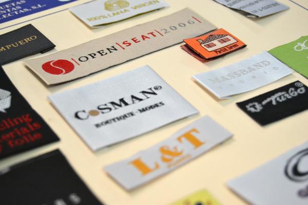 etiquetas textiles de marca, talla y composición