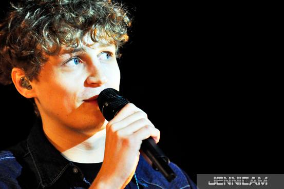 """Tim Bendzko, """"Du warst noch nie hier""""-Tour, Offenbach, 15.1.2012 - (c) Jennifer Trautmann -"""