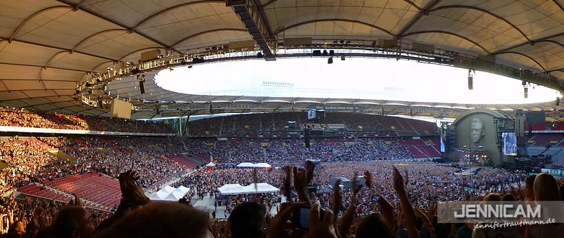 Vorfreude wabbert durchs Stadion ... :)