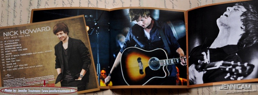 "Nick Howard: 2 Fotos im Booklet des Albums ""Stay Who You Are"". 2013"