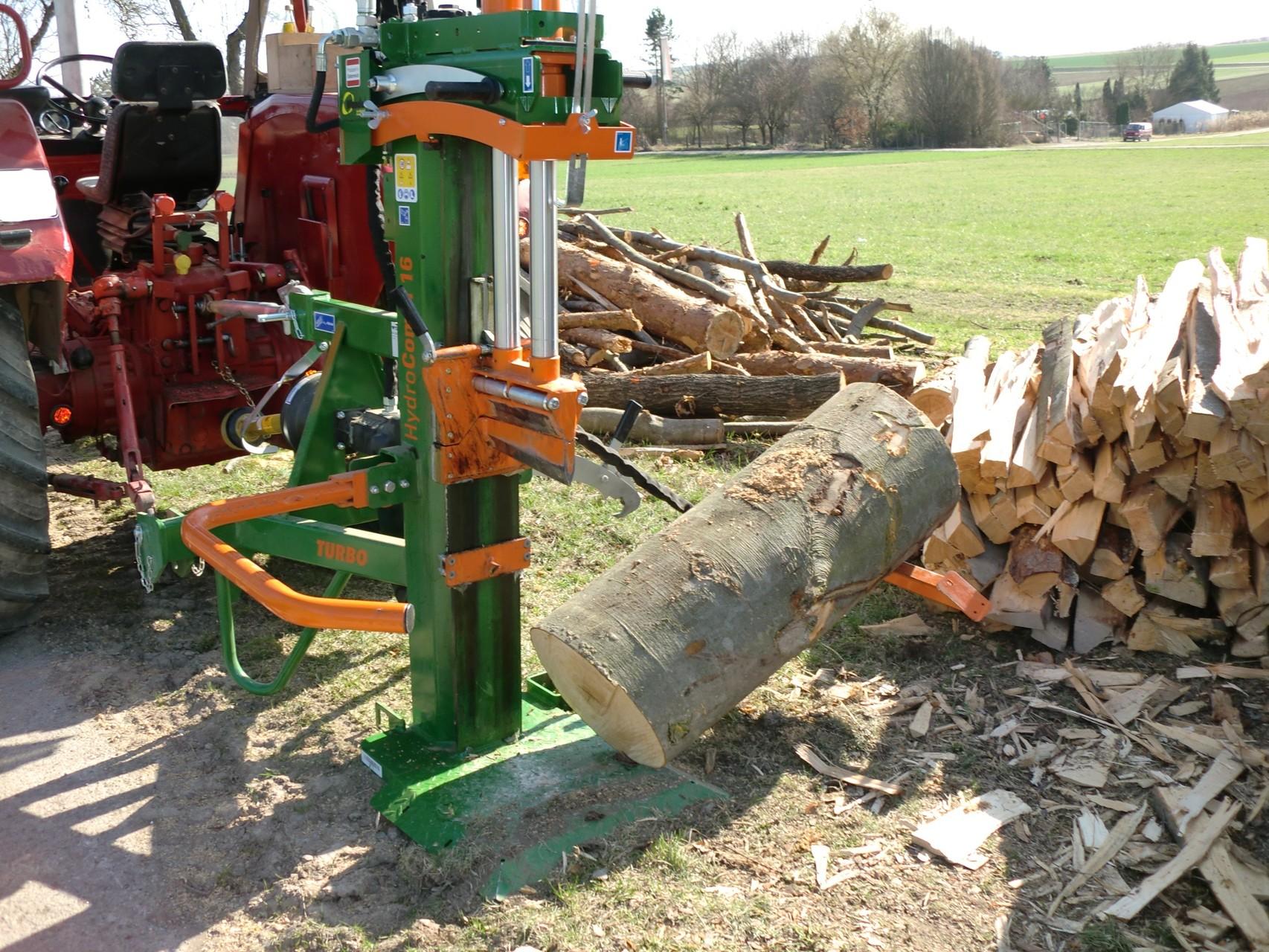 Lieblings Holz spalten + bündeln - MH Brennholz Rottenburg @JQ_53