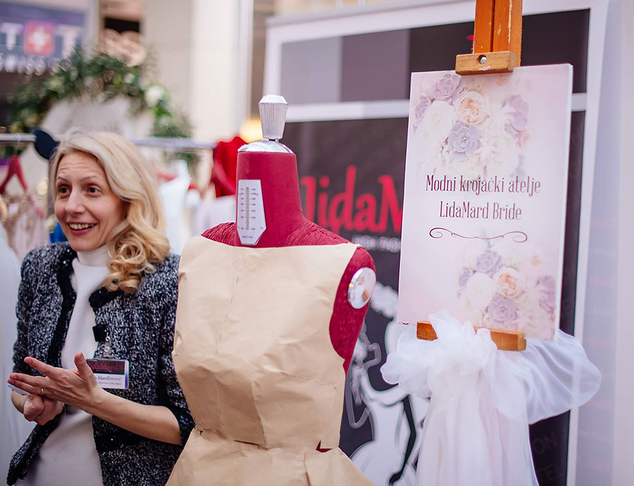 Krojačica visoke mode, vlasnica brenda LidaMard i direktorica Modnog krojačkog Ateljea LidaMard.me doo iz Kotora