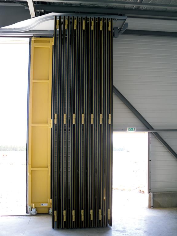 Hangars D Avions Site De Smf Portes Industrielles