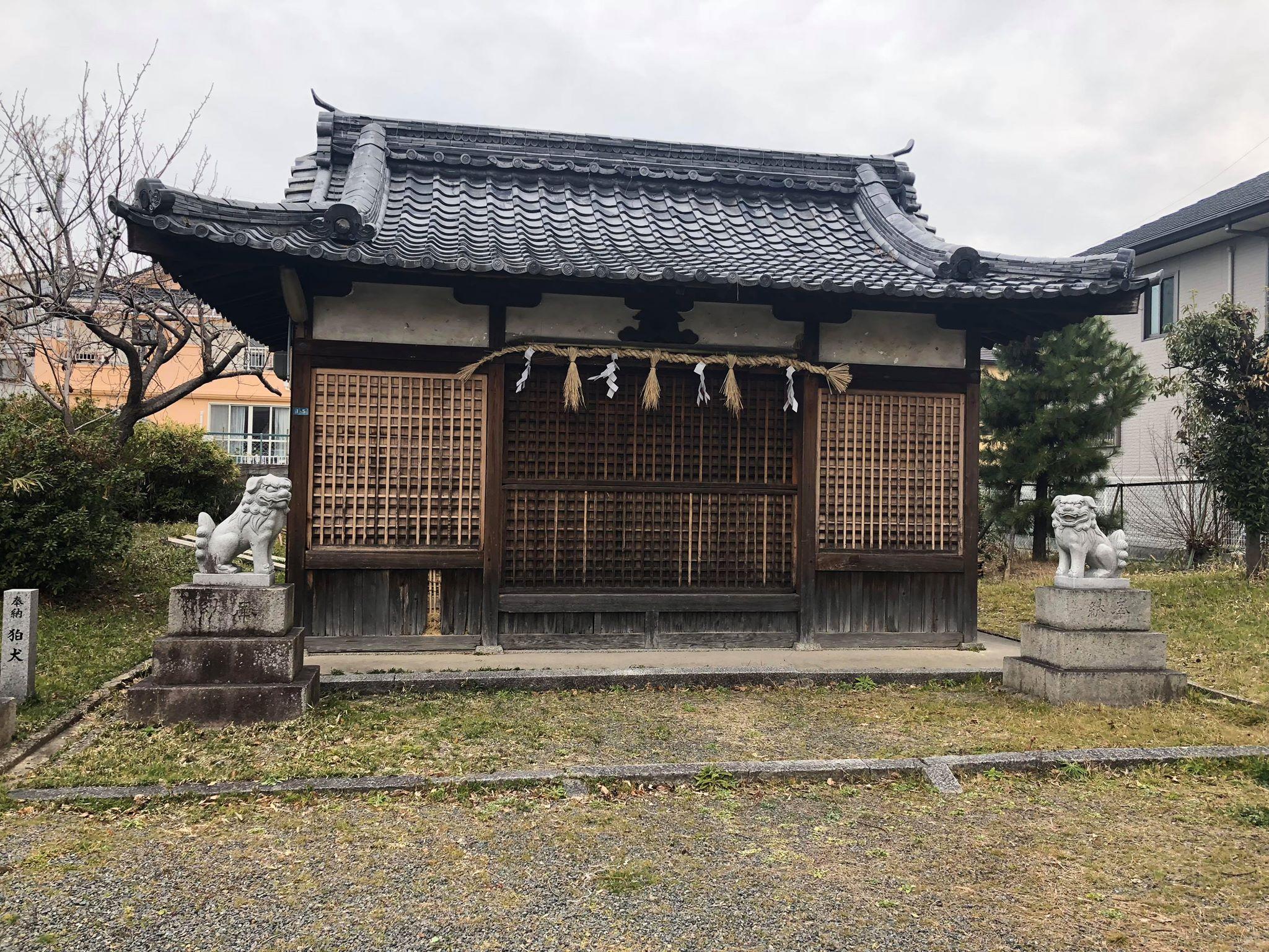 阿為神社神社御旅所灰汁洗い(あくあらい)施工前