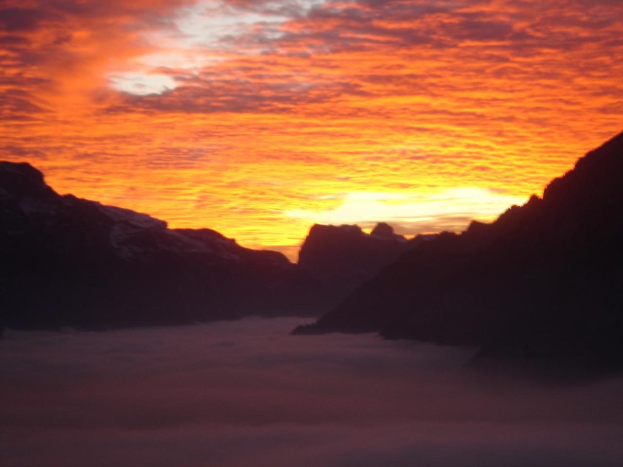 Sonnenuntergang im Klöntal