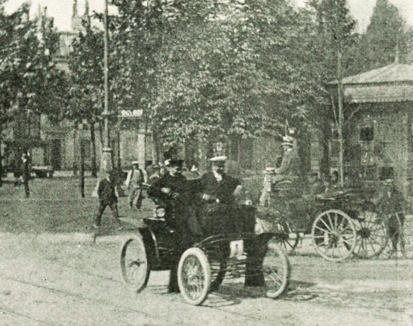 Autre course automobile qui traversait Maisons-Laffitte avec Philippart vainqueur du Critérium des voitures électriques en juillet 1899 sur le parcours Paris-Maisons-Laffitte-Saint-Germain-Suresnes