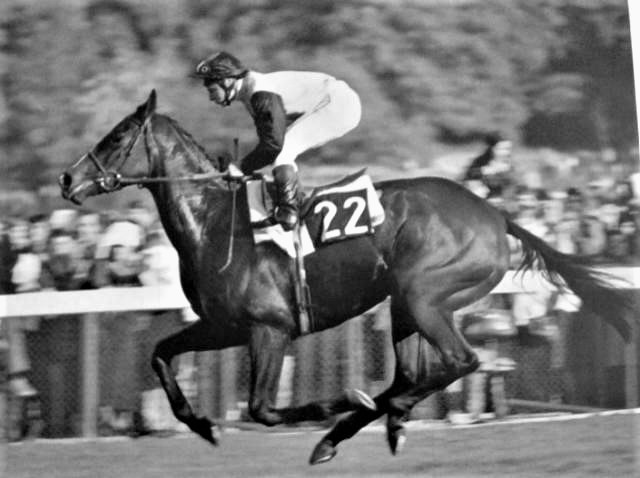 Three Troikas vainqueur arc de triomphe en 1979