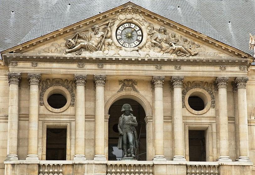 musée des invalides, la statue de Napoléon Premier