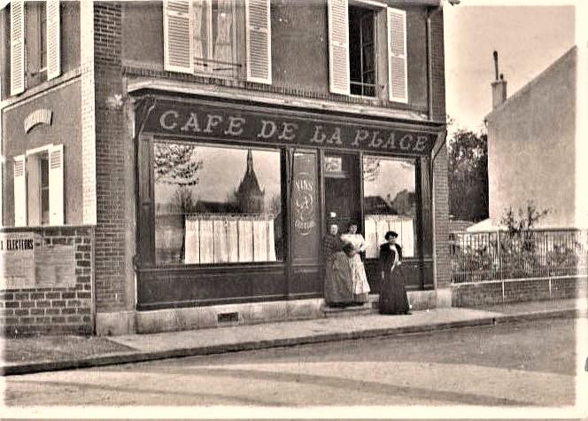 café de la place du marché à Maisons-Laffitte
