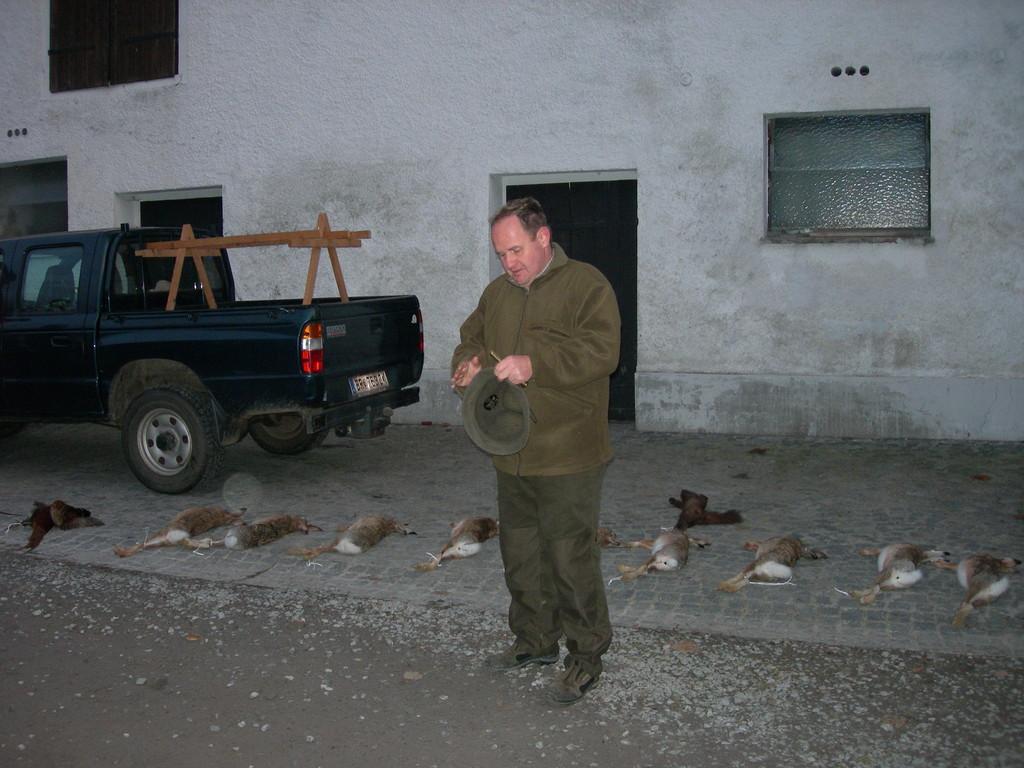 Jagdleiter Martin Erhart bei der Verkündung der Strecke