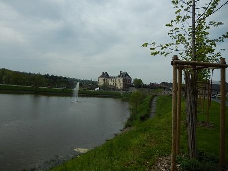 L'étang et le château
