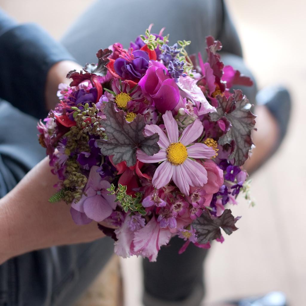 Brautstrauss mit rosa und pinkigen Sommerwiesenblumen  |  190 CHF