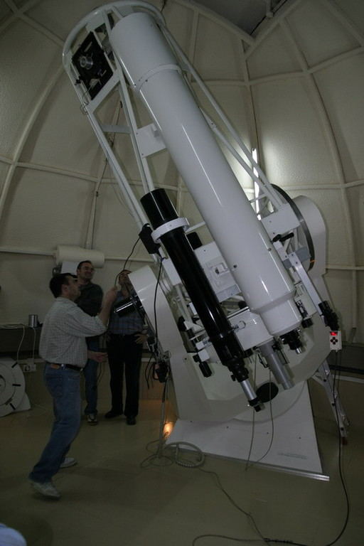 Cúpula Cygnus X1 y telescopio de 77cm