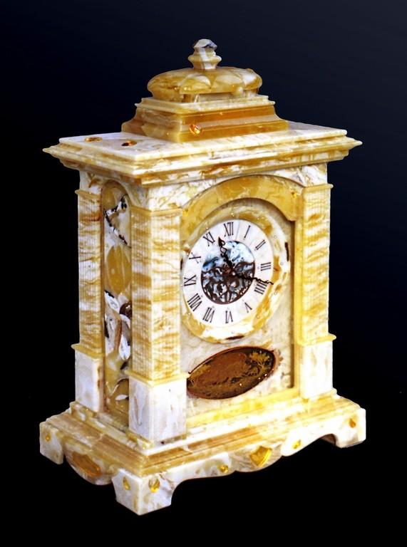 Bracket Clock (2004)