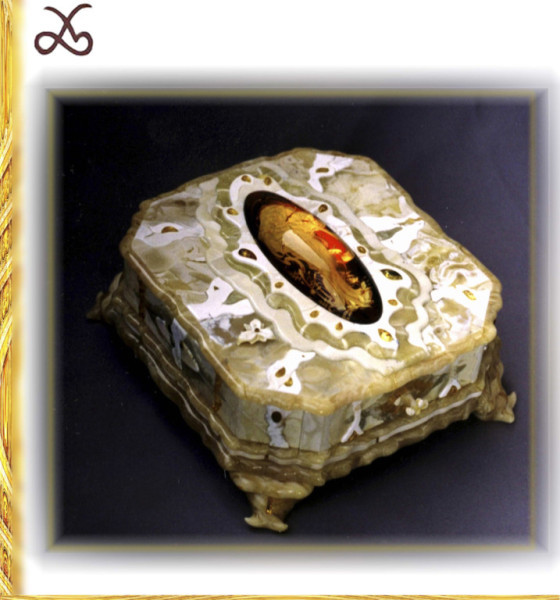 Casket with an intaglio of red amber. 1997