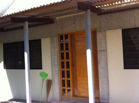 Eingangstüre mit Vordach