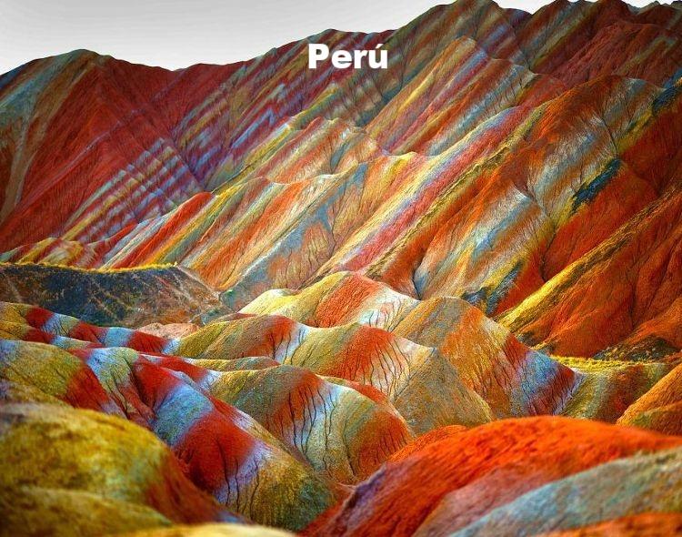 montañas de mil colores en Perú