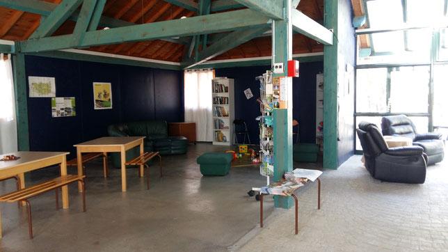 Dans la salle commune, détente,coin lecture, jeux...