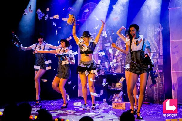 Poupoupidou Revue - by Emma Mylan; Plaza Klub Zürich; artists: Emma Mylan, Cheeky Kelly and the Troupe Secret Follies; photo: Christoph Gurtner